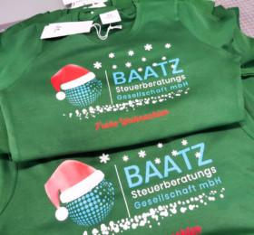 3farbig bedruckte T-Shirts für die Steuerberatungsesellschaft Baatz.