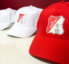 Bedruckte Kappen für einen Fußballverein