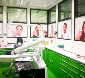 Fensterfolierung einer großen Arztpraxis