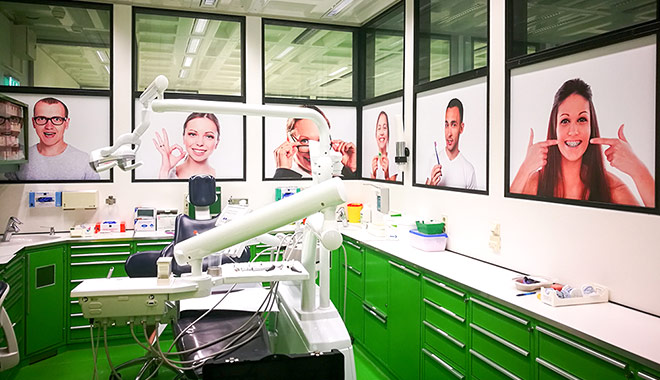 Praxisbeschriftung | Kieferorthopädie Klinikum Aachen